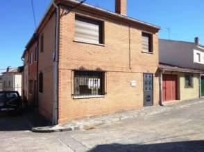 Casa pareada en venta en calle Maximo González, nº 13