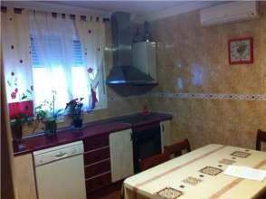Casa en venta en Por calle Estación/Próxima Al Colegio