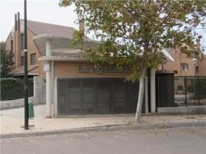 Casa adosada en alquiler en calle Ibon de Trigoniero