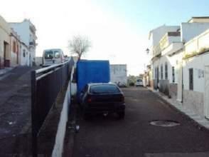 Casa adosada en venta en calle Serrezuela, nº 13