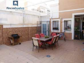 Casa pareada en venta en Avenida Andalucia