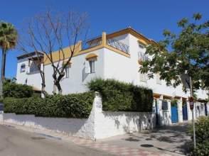 Casa adosada en venta en San Pedro de Alcántara