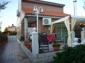 Casa en alquiler en calle Torrelapaja