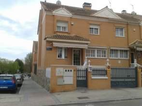 Casa adosada en alquiler en Restón