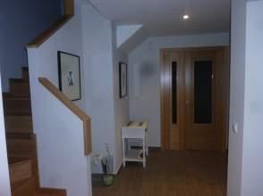 Casa adosada en venta en calle Hoces del Alto Ebro,  S/N