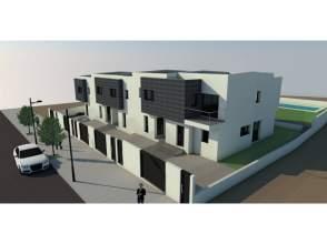 Casa adosada en venta en calle La Noria,  15