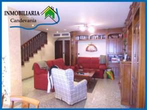 Casa unifamiliar en venta en Zuera