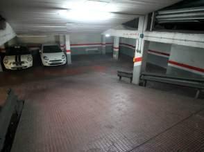 Garajes y trasteros en horta distrito horta guinard for Alquiler garaje barcelona