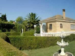 Casa rústica en venta en Avenida Camino de La Fuente