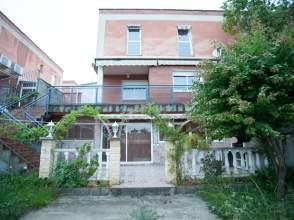Casa adosada en alquiler en calle Mas D'en Garrot, nº 5