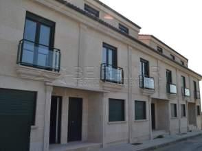 Casa adosada en venta en calle Revolta