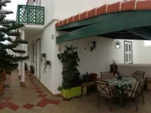 Casa adosada en alquiler en Abades