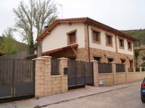 Chalet pareado en venta en A Varios Kms. de Ezcaray