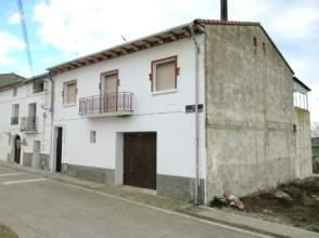 Casa adosada en venta en calle Somontano Berbegal