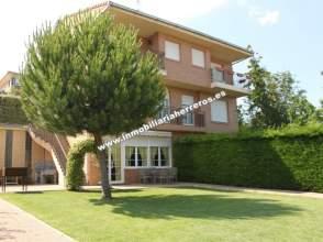 Casa pareada en venta en Ctra. de Soria