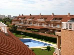 Casa adosada en venta en calle Clara Campo Amor, nº 12, Sant Joan d'Alacant por 279.000 €