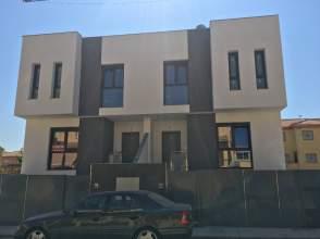 Casa adosada en venta en calle Libertad, nº 23