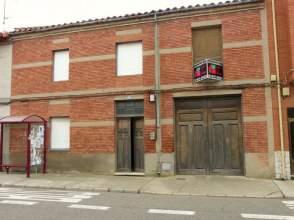 Casa rústica en venta en Avenida Fueros de León, nº 45
