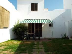 Casa adosada en alquiler en Urbanización Pueblo Andaluz, nº 15