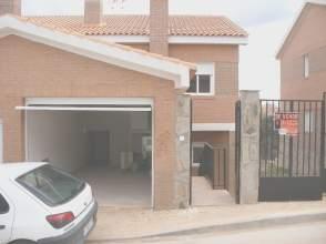 Chalet pareado en venta en calle Ciudad Encantada, nº 355A