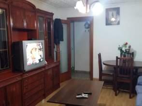 Piso en alquiler en Avenida Mariano Vicen, nº 25