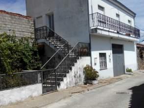 Casa unifamiliar en venta en calle Toral, nº 2