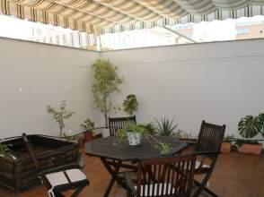 Casa adosada en alquiler en calle Clara Campoamor, nº Clar