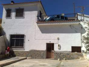 Casa rústica en venta en Rambla Baza, nº 5, Guadix por 140.000 €
