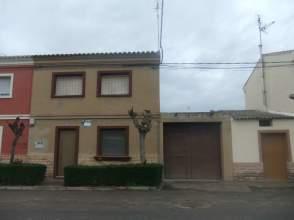 Casa adosada en venta en Carretera Novillas, nº 55