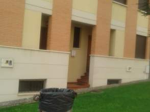 Casa adosada en alquiler en calle Amando Represa, nº 6