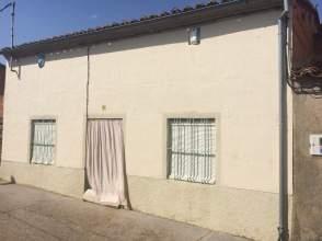Casa adosada en venta en calle La Amistad, nº 4