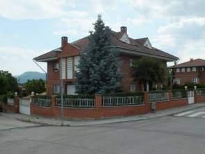 Casa en venta en calle Joan Miró