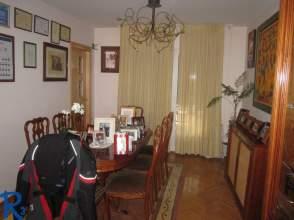 Casa en venta en calle Monteleon