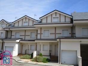 Casa en venta en calle Huerta Las Monjas