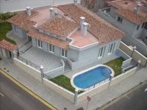 Chalet en alquiler en Playa La Arena, Santiago del Teide por 3.000 € /mes