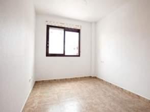 Piso en venta en calle Matrona Francisca Pedrero,  6, Archena por 56.000 €
