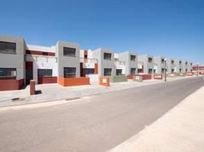 Casa adosada en venta en Urbanización Castillo de Caleta de Fuste,  52, Castillo de Caleta Fuste (Antigua) por 90.000 €