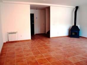Casa adosada en alquiler en calle Las Viñas,  60, Pozorrubio por 195 € /mes