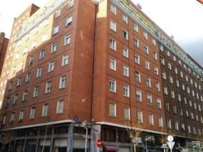 Flat in calle de Iparraguirre, nº 75