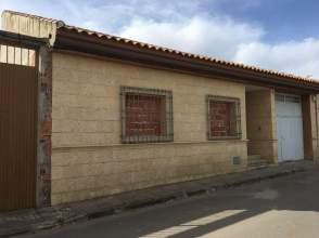 Casa adosada en calle General Espartero, nº 32