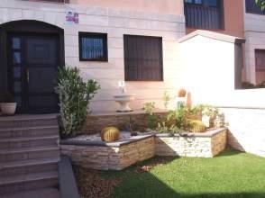 Casa adosada en calle La Enramada