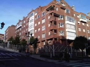 Dúplex en calle Lorenzo Abruñedo