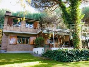 Casa en calle Urbanización El Montico, nº 145