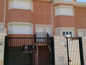 Casa pareada en calle Madrid-Valencia