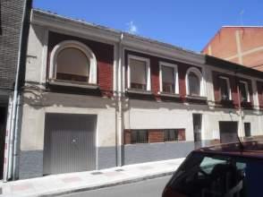 Casa en calle Leonor de Guzman