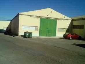 Nave industrial en calle La Rueda