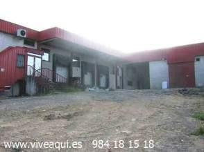 Nave industrial en Parcela Industrial Para Equipamientos, Con 2 Casas y 2 Naves.