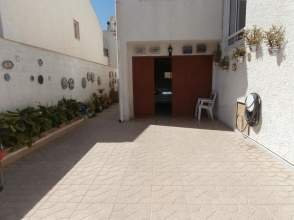 Casa pareada en calle Alcalde Jose Maria Henarejos