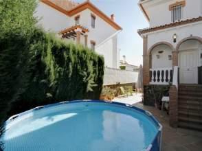 Casa adosada en calle Mirasierra