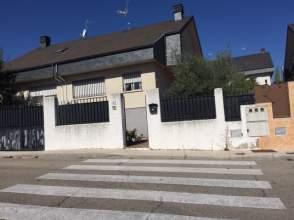 Casa pareada en calle Cantabria